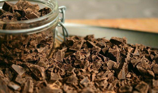Kousky čokolády