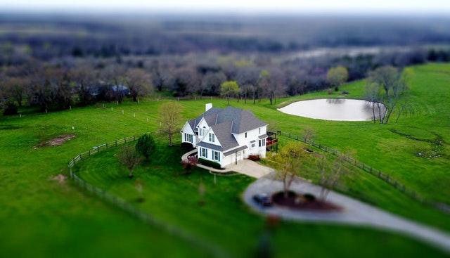 dům pohled z výšky